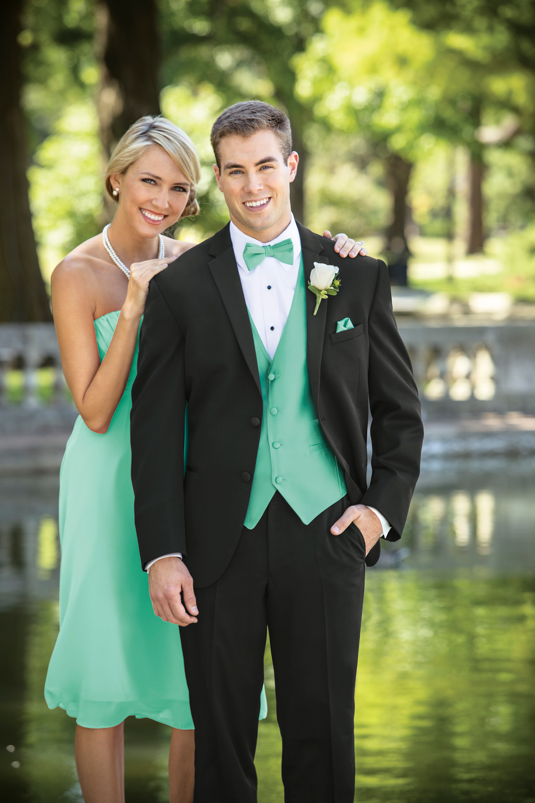 Tuxedo Special  With 5 tuxedo rentals with Modern Elegance the GROOM gets  his for FREE! 15d03507f